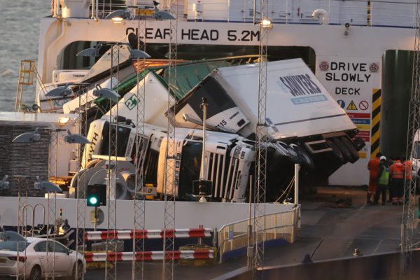 vehicles-damaged-after-lorries-overturn-on-ferry-136431870288002601-181218161055